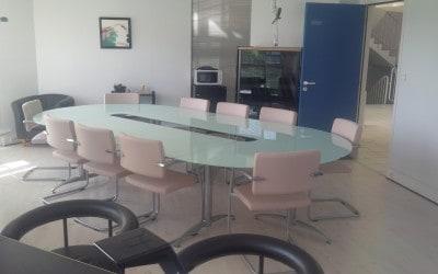 Aménagement & équipement en mobilier d'une salle de réunion du bureau de la Présidence d'une Association à Caen