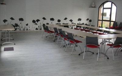 Décoration intérieure & équipement en mobilier de une salle de conseil & des mariages de Amfreville la Campagne