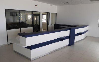 Aménagement des comptoirs d'accueil du futur Garage Peugeot à Villers Bocage (Calvados – 14)