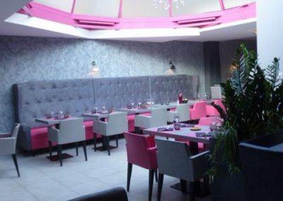 Agencement et équipement en mobilier restaurant `a Cabourg (14 - Calvados en Normandie) (fauteuils, tables et banquettes non fournies par BÔ)
