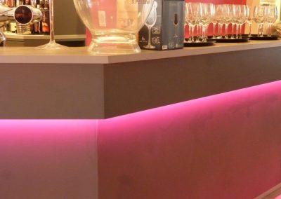 Agencement restaurant - Comptoir bar lumineux LED - Cabourg - Calvados -14 en Normandie