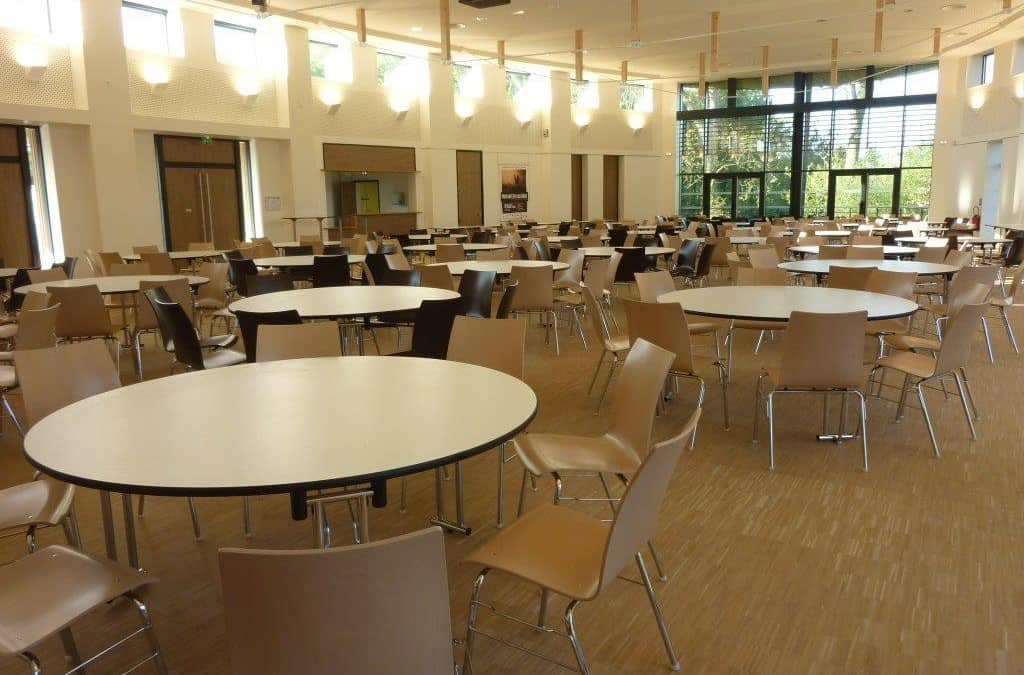 Tables mange d bout archives b d coration agencement for Equipement mobilier restaurant