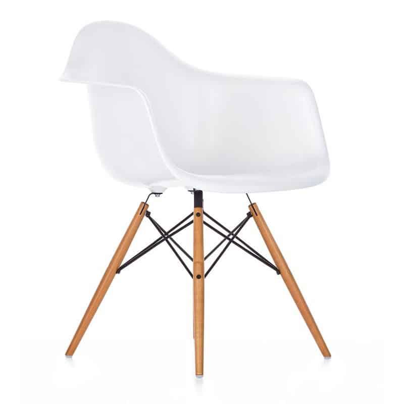 "Fauteuil design ""Daw Charles Eames "" Calvados-14 (Nornandie)"