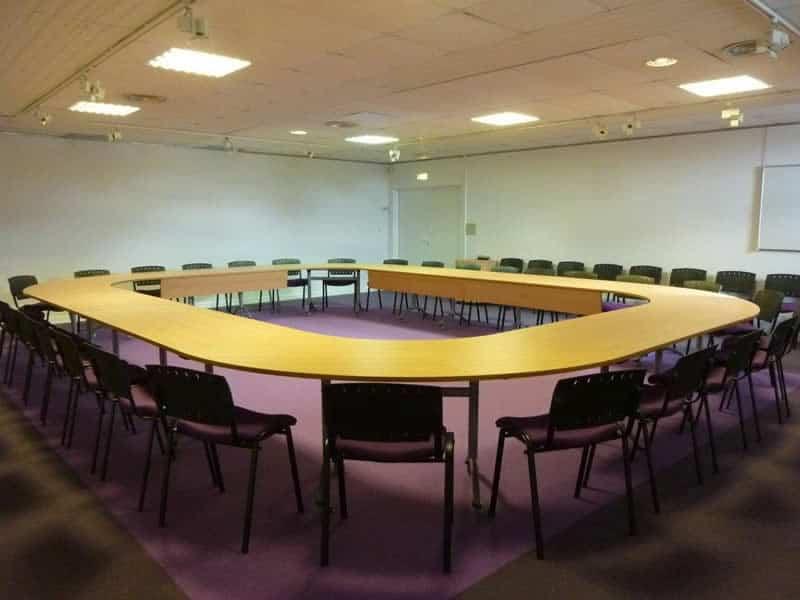 Aménagement, agencement en mobilier du nouveau Espace Numérique NUMERIPÔLE à Villers Bocage