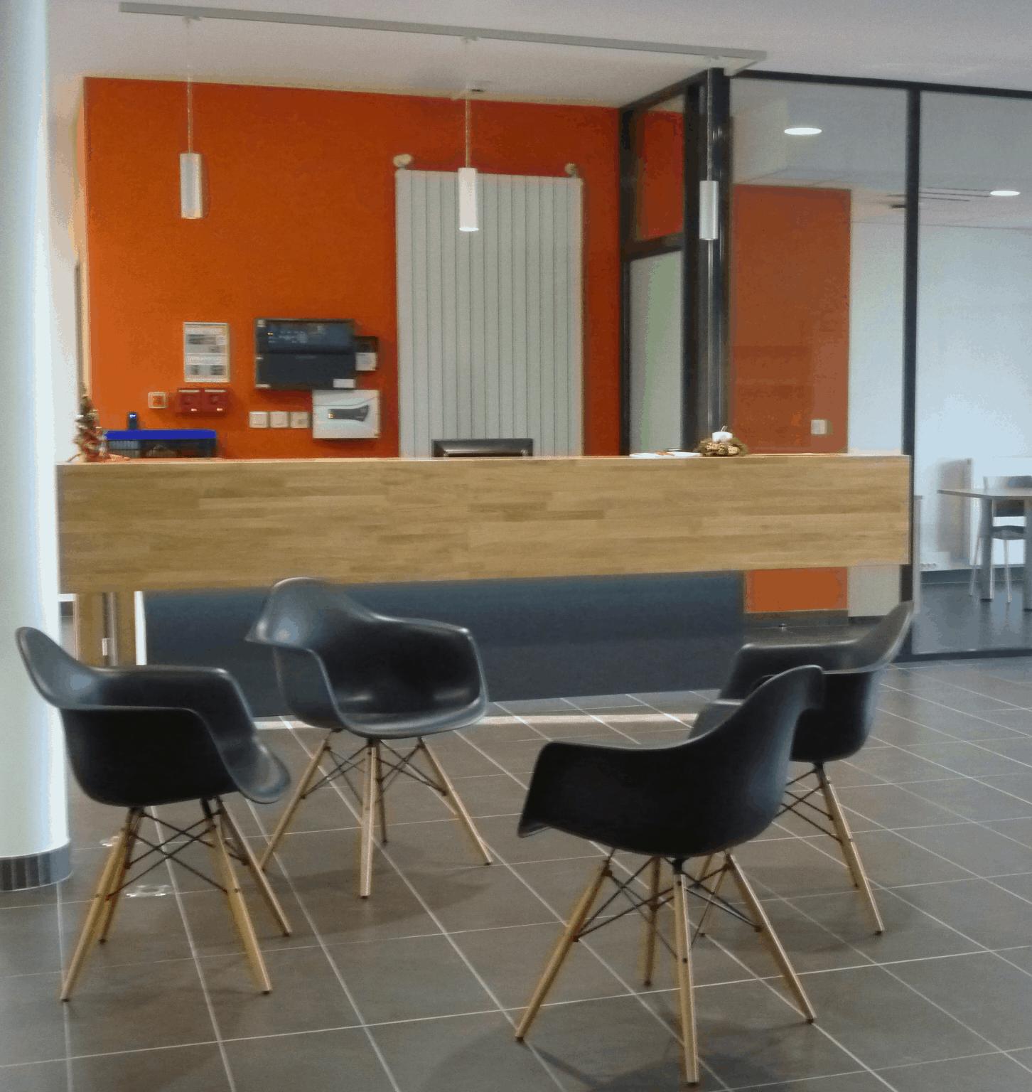 Vestiaires industriels, équipement mobilier à L'Installation de Panneaux acoustiques Saint-Lo (Manche en Normandie)(Orne-Normandie)