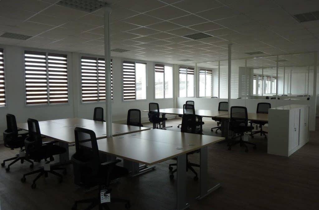 Agencement de cloisons modulaires et Aménagement en mobilier de bureaux à Ifs (Caen – Calvados 14)