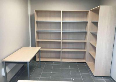 Aménagement et équipement en mobilier de bureau (étagères) à Domfront (Orne - 61) en Normandie