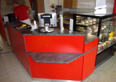 Mobilier de restauration, comptoir-bar pour une pizzeria à Caen (Calvados-14) en Normandie