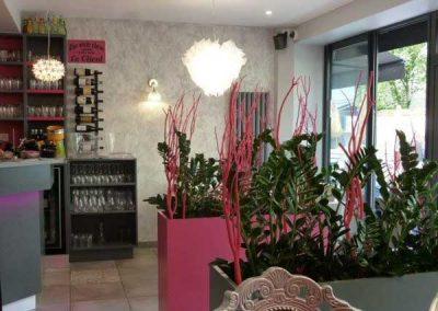 Agencement et équipement en mobilier de restaurant à Ouistreham (Caen la mer) - Décoration Bacs végétaux