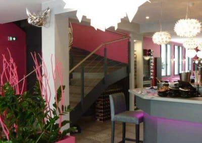 Agencement et mobilier pour un restaurant à Ouistreham près de Caen - Tabouret haut comptoir bar