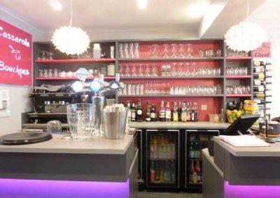 Agencement et mobilier pour un restaurant à Ouistreham près de Caen - Comptoir bar lumineux LED