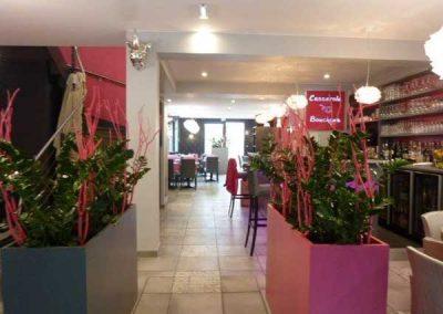 Agencement et équipement en mobilier de restaurant à Ouistreham (Caen la mer) - Décoration Bac végétale