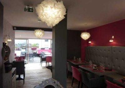 Agencement d'un restaurant à Ouistreham (Caen la mer) - Équipement mobilier restaurant et des suspensions et des appliques