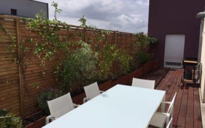 Relooking d'une terrasse d'appartement à Hérouville, près de Caen