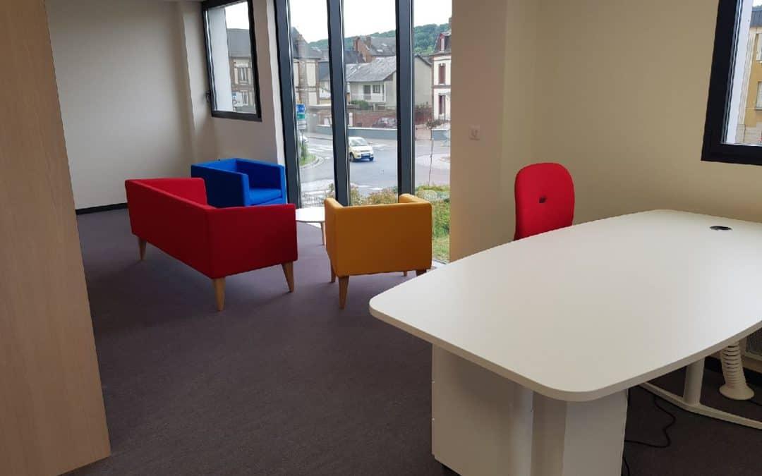 Aménagement en mobilier de bureau & en sièges de travail au MEDEF Normandie