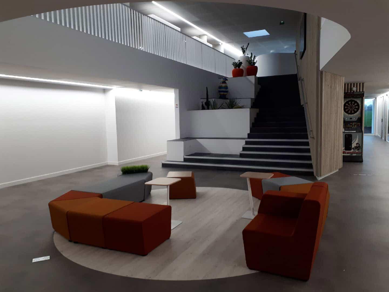 agencement & equipement en mobilier d'un centre aquatique à Amiens (la Somme en Picardie)