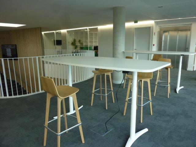 Équipement de mobilier de bureau à Caen – Le Cube de RECREA