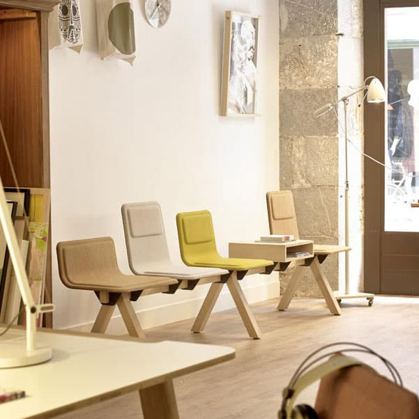 banque de chaises pour salle d'attente à Caen (Calvados -14) en Normandie - Alki Heldu Desk Laia Desk