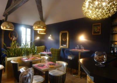 agencement restaurant à Cabourg (fauteuils, tables et banquettes non fournies par BÔ)