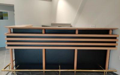 Comptoir-bar & arrière-bar en bois & inox dans l'Orne (61) – Les Ventes de Bourses