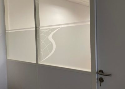 VItrophanie de cloisons modulaires à Valence
