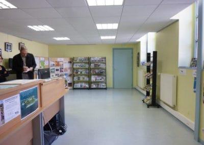 agencement de l'accueil de l'office du tourisme de Isigny (Calvados -14) en Normandie - AVANT TRAVAUX